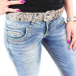 39a6e9fd9195 Stylische Damenjeans mit bunten Nähten von Cipo   Baxx im Slim Fit Schnitt    Farbe  Blau